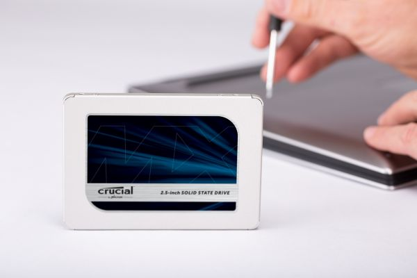 CT1000MX500SSD1 - Crucial 1TB SSD